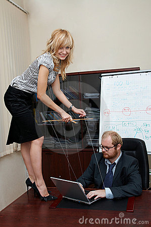 Sexy Lady manipulates a Boss