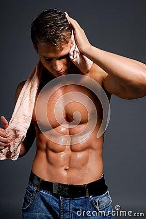 Sexy natte atleet