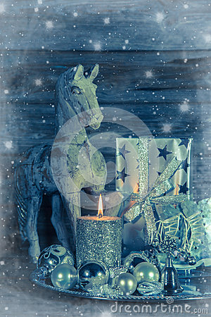 Free Shabby Chic Christmas Decoration In Silver With Wooden Horse, Ca Royalty Free Stock Photos - 43254178