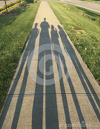 Free Shadow Of Family Walk Royalty Free Stock Images - 111660379