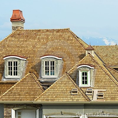 Free Shake Roofing New Home House Royalty Free Stock Image - 5151376