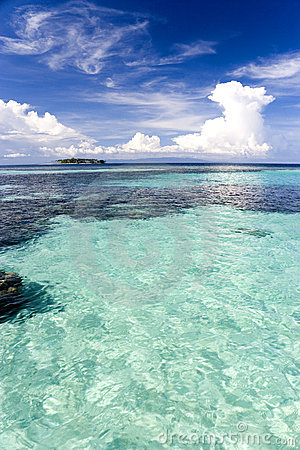 Free Shallow Open Sea Stock Photography - 4914332