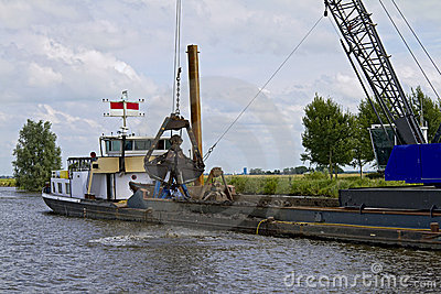 Shallow Water Dredging