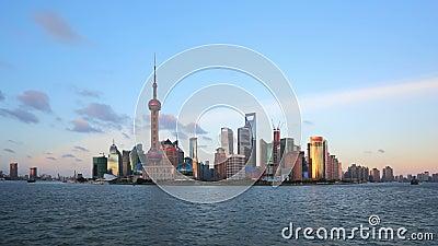 Shangai a partir del día a la noche, timelapse de enfoque.