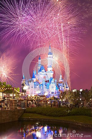 Free Shanghai Disney Castle And Fireworks Royalty Free Stock Image - 135154986