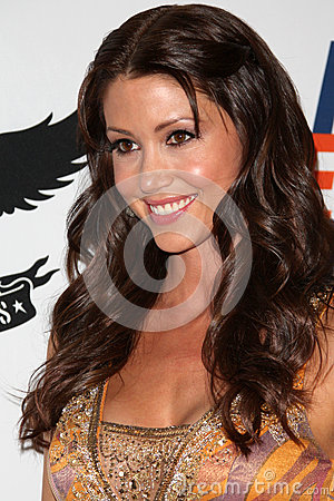 Shannon Elizabeth arrives at the 19th Annual Race to Erase MS gala Editorial Stock Image