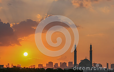 Sharjah moské på solnedgången