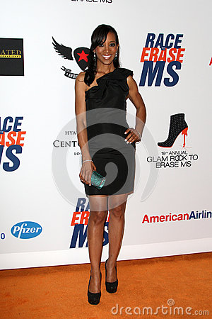 Shaun Robinson arrives at the 19th Annual Race to Erase MS gala Editorial Stock Photo