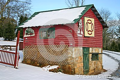 Shed With Quilt Block