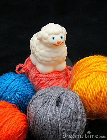 Free Sheep Over Balls Of Yarn Stock Photography - 597222