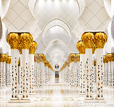 Free Sheikh Zayed Grand Mosque, Abu Dhabi Is The Largest In The UAE Royalty Free Stock Photo - 31583055