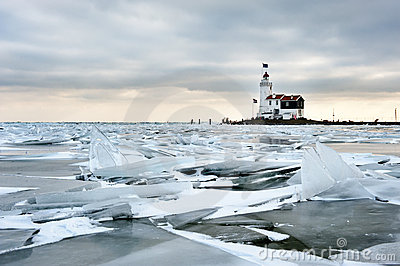 Shelf ice and lighthouse