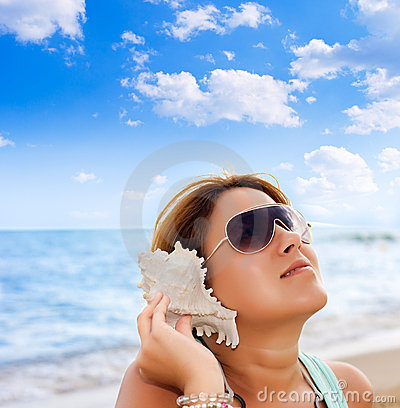 Free Shell Sound Stock Images - 16684974