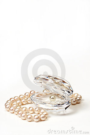 Free Shell With Pearls Stock Photo - 4671530