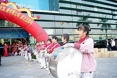 Shenzhen china: the woman drum team Editorial Image