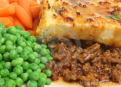 Shepherds Pie with Peas & Carrots