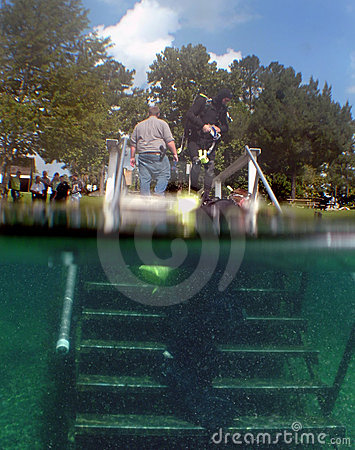 Sheriff Search Divers Enter Vortex Springs Editorial Stock Photo