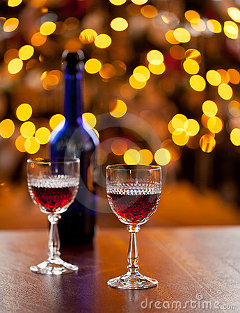 Free Sherry Glasses In Front Of Xmas Tree Stock Images - 22460524