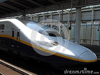Shinkansen-E4 Max