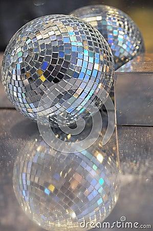 Free Shiny Christmas Ball Stock Photography - 8322842