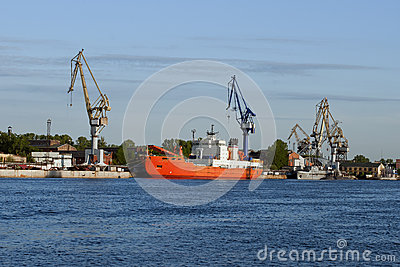 Ship-building shipyard to St. Petersburg