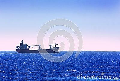 Ship the horizon