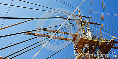 Ship mast and ropes
