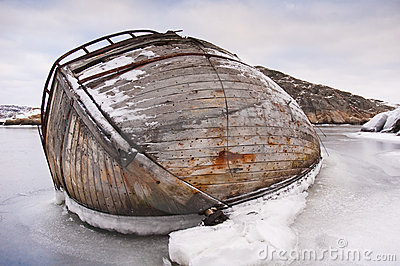 Ship-wreck in ice