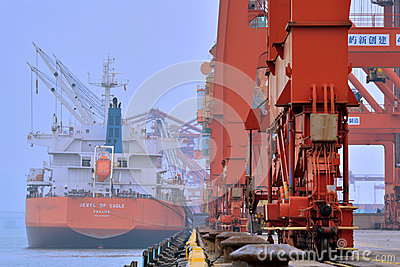 Shipment operation in Xiamen, Fujian, China Editorial Photography