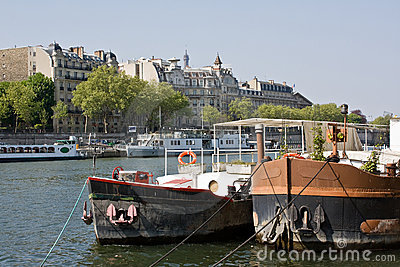 Ships on the Seine, Paris