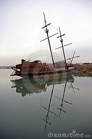 Free Shipwreck Royalty Free Stock Photography - 1686167