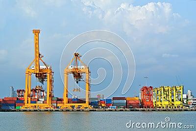 Shipyard Cargo Logistic