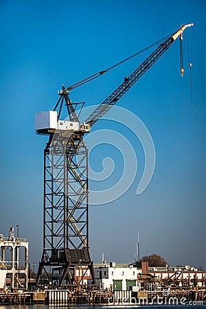 Free Shipyard Crane Royalty Free Stock Photography - 27998697