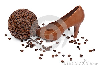 Shoe made ​​of chocolate and coffee beans