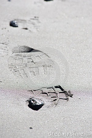 Free Shoe Prints In The Sand Stock Photos - 62615253