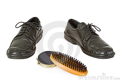 Shoe with shoe polish