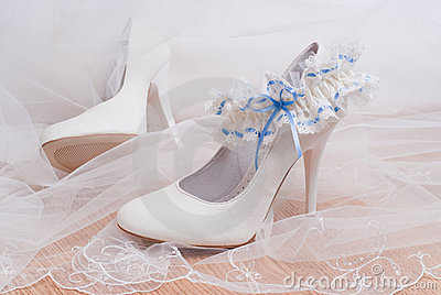 Shoes for the bride and bridal garter.