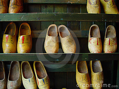 Shoes trä