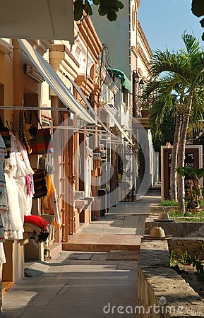 A shopping boulevard in San Jose del Cabo, Mexico