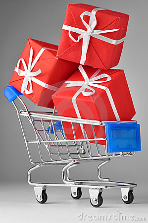 Free Shopping Cart With Gifts Royalty Free Stock Photography - 17981917