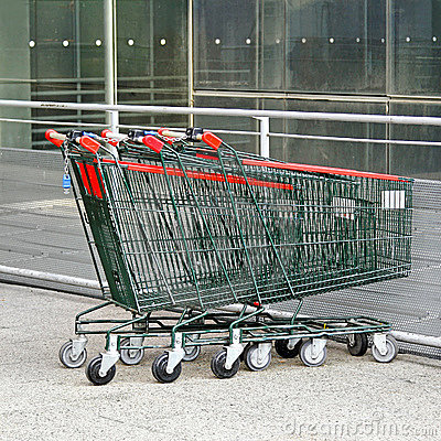 Free Shopping Carts Royalty Free Stock Images - 17460719