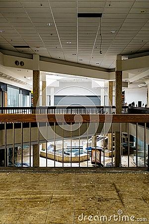 Free Shopping Center - Abandoned Randall Park Mall - Cleveland, Ohio Stock Photography - 109820552