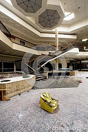 Free Shopping Center - Abandoned Randall Park Mall - Cleveland, Ohio Royalty Free Stock Images - 109821019
