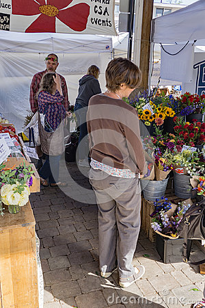 Free Shopping For Flowers Royalty Free Stock Photos - 97485508