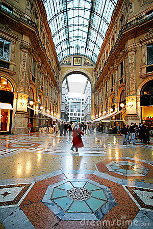Free Shopping In Galleria Vittorio Royalty Free Stock Photo - 4695255