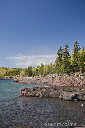 Shoreline lake superior