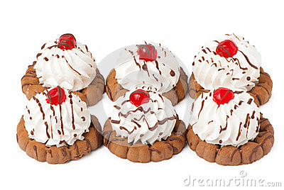 Shortbread cookies with cream and berry jelly