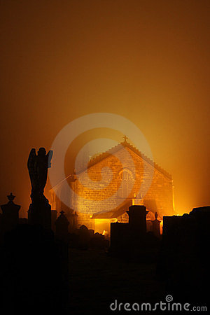 Shotts Kirk and cemetery