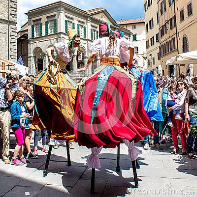 Free Show Of Stilt Walkers In The Street Royalty Free Stock Image - 85921146