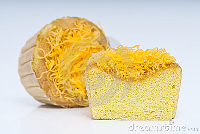 Shredded egg yolk cake